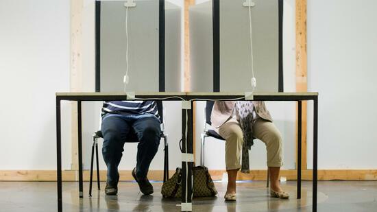 Innenministerium will Smartphones in Wahlkabinen verbieten