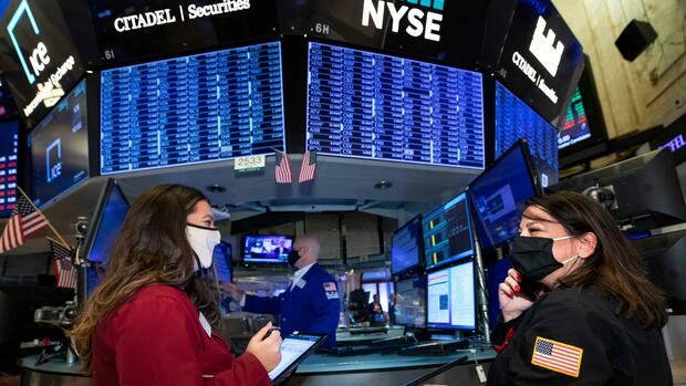 Dow Jones, Nasdaq, S&P 500: Ausverkauf an US-Börsen verschärft sich nach Powell-Rede