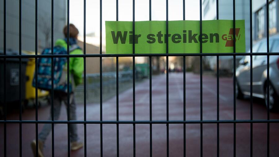 Verhandlung zum Streikverbot für Lehrer begonnen