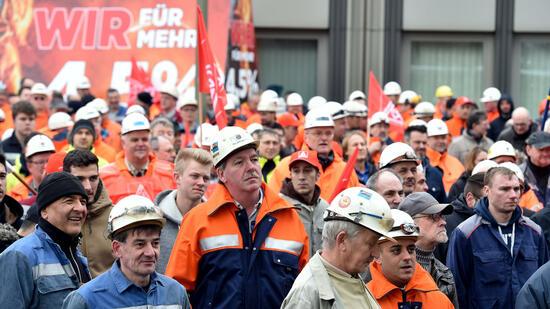 Stahl: IG Metall ruft zu Warnstreiks im Stahl-Tarifkonflikt auf