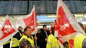 Luftfahrt: Tarifgespräche für Flughafen-Sicherheitsleute laufen nach Warnstreiks wieder