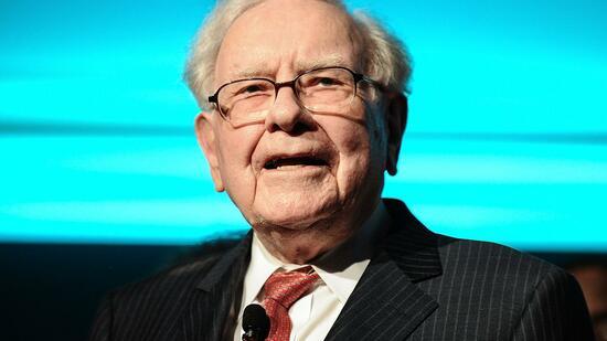 """""""Eine außergewöhnliche Persönlichkeit"""": Warren Buffett wettet auf Merkel"""