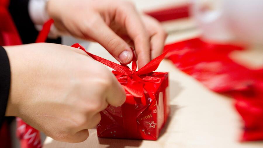 Weihnachtsgeschenke Für Firmenkunden.Weihnachten Wann Geschenke Gut Fürs Geschäft Sind