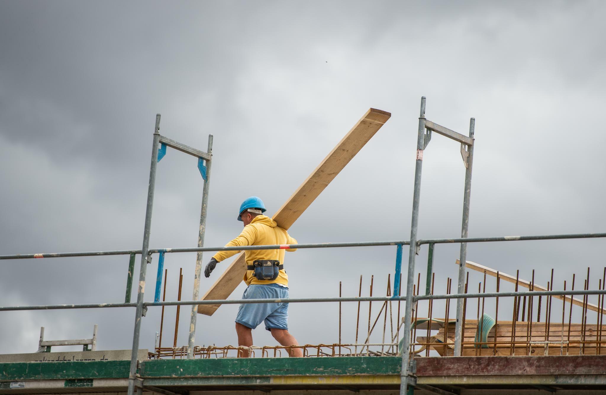 Baugenehmigungen gehen weiter zurück