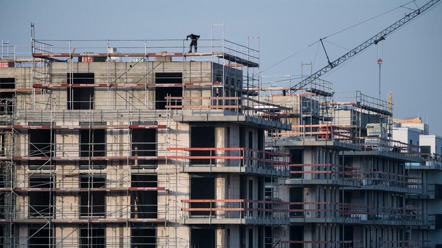 Baugenehmigungen sind rückläufig – Wohnungsmangel droht sich zu verschärfen