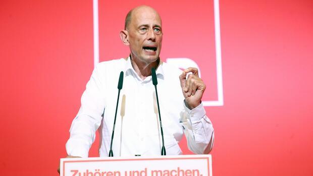 SPD Thüringen bestätigt Tiefensee als Spitzenkandidaten