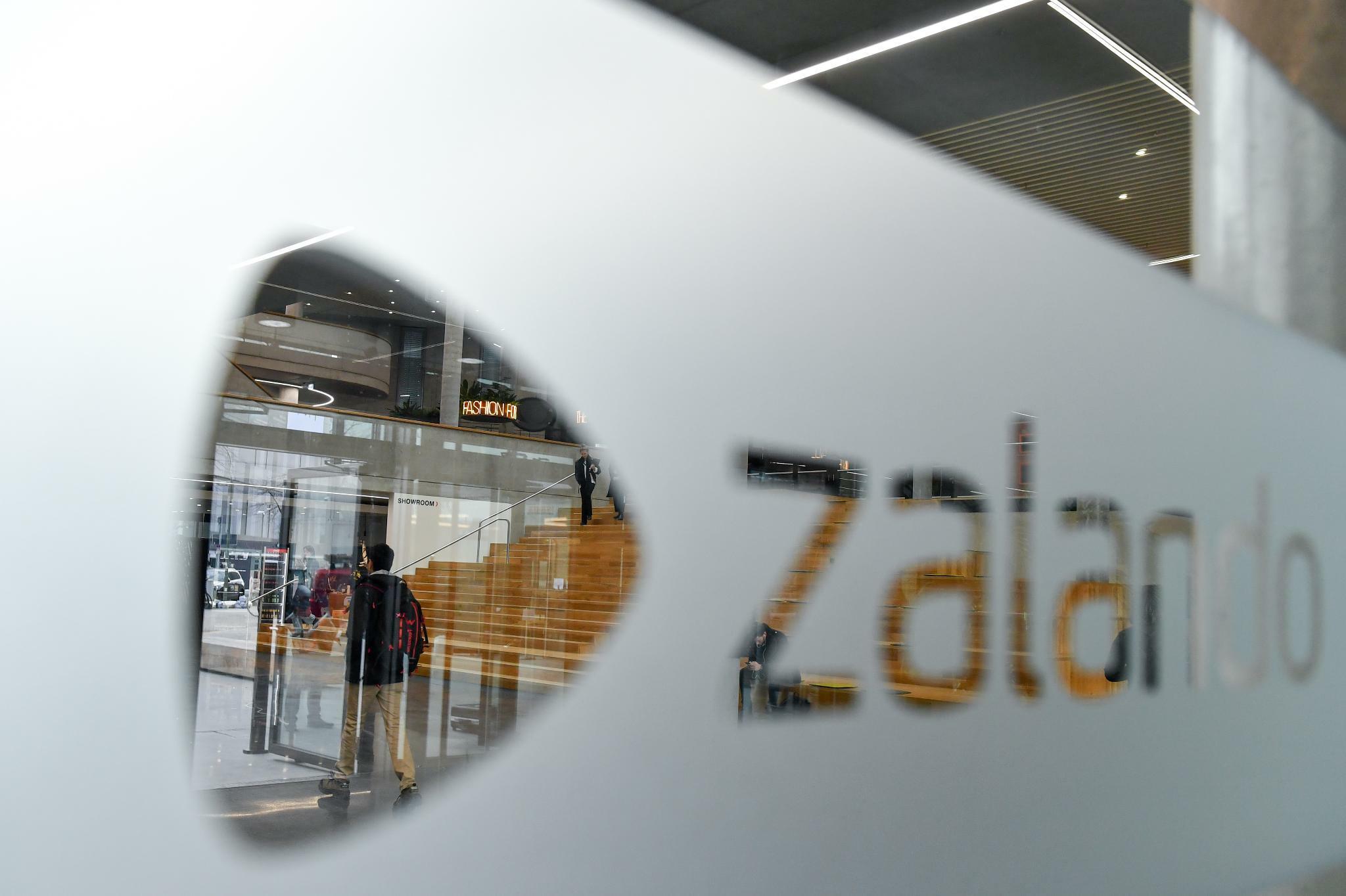 """""""Stasi-Methoden"""" : Studie kritisiert Zalandos Bewertungssoftware"""