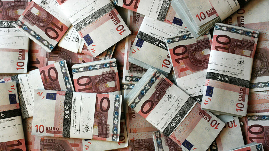 Devisen Euro Vor Konjunkturdaten über 136 Dollar