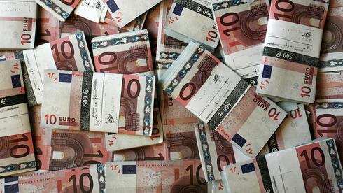 Deutschland droht ein Reputationsschaden: Die Geldwäsche boomt. Quelle: dpa