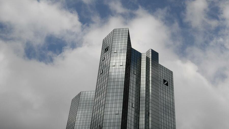 Deutsche Bank: Was der HNA-Ausstieg für Großbank bedeutet on