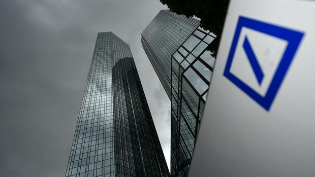 Quartalszahlen: Konzernumbau beschert der Deutschen Bank erneut Verluste – Aktie reagiert vorbörslich