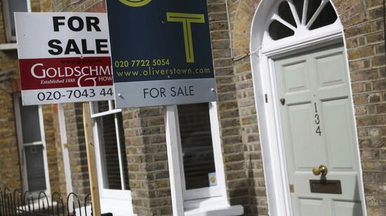 britischer immobilienmarkt h userpreise im k nigreich fallen st rker als erwartet. Black Bedroom Furniture Sets. Home Design Ideas
