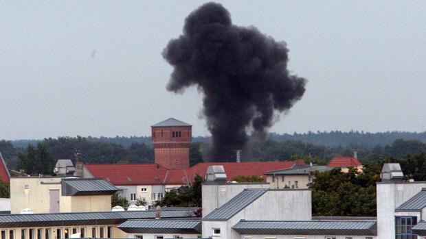 entwarnung in oranienburg experten k nnen fliegerbomben sprengen und entsch rfen. Black Bedroom Furniture Sets. Home Design Ideas